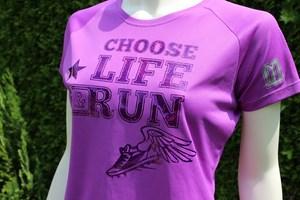 design sportshirts toepper werbung choose life lila
