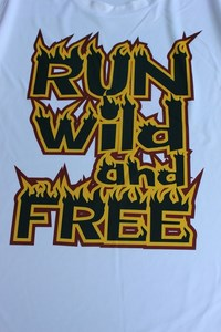 design sportshirts toepper werbung run wild free 2